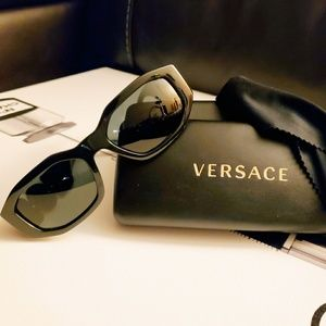 Versace 4361 Sunglasses, excellent used condition